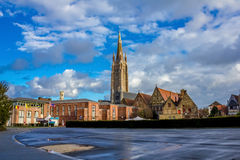 Torre della chiesa della nostra signora Bruges Fotografia Stock