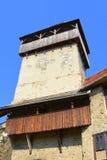 Torre della chiesa medievale fortificata del sassone in Calnic, la Transilvania Immagini Stock
