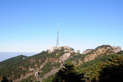 Torre della televisione su Huangshan Fotografia Stock