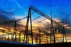 Torre della trasmissione nel tramonto a Schang-Hai fotografia stock libera da diritti