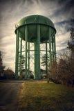 Torre di acqua di verde di vecchio stile Fotografia Stock