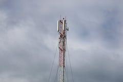 Torre di antenna del ripetitore fotografia stock
