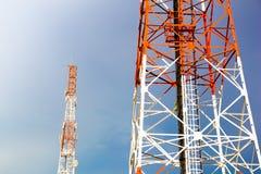 Torre di antenna di comunicazione del telefono cellulare Immagini Stock Libere da Diritti
