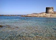 Torre di Aragonsky sulla spiaggia di Peloza della La Immagini Stock