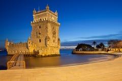 Torre di Belem alla notte a Lisbona Fotografie Stock Libere da Diritti