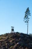 Torre di caccia sulla cima Fotografie Stock