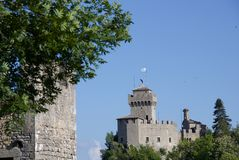 Torre di Cesta, il più alta torre della fortezza nella repubblica del san Marin Immagini Stock Libere da Diritti