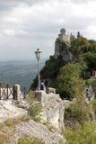 Torre di Cesta nel paese del San Marino fotografia stock libera da diritti
