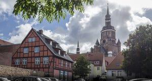 Torre di chiesa del ` s di St Mary, Stralsund, Germania Immagine Stock
