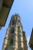 Torre di chiesa della cattedrale San Nicola in Friburgo Immagini Stock