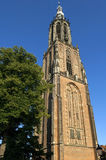 Torre di chiesa storica Onze-Lieve-Vrouwetoren Fotografie Stock