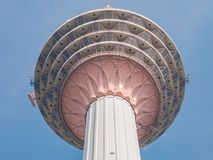 Torre di chilolitro con la distanza molto vicina in Kuala Lumpur, Malesia fotografia stock
