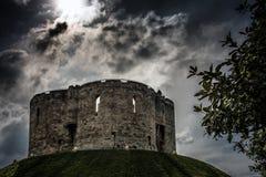 Torre di Cliffords a York in Inghilterra il Regno Unito immagine stock