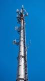 Torre di comunicazioni elettroniche alta tecnologia Fotografie Stock