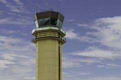 Torre di controllo del traffico aereo Fotografie Stock Libere da Diritti