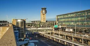 Torre di controllo dell'aeroporto Immagine Stock