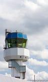 Torre di controllo dell'aeroporto regionale fotografie stock libere da diritti