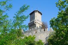 Torre di Guaita del titano del supporto a San Marino Immagine Stock