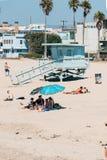 Torre di guardia di vita su una spiaggia di Venezia a Los Angeles California U.S.A. Fotografie Stock Libere da Diritti