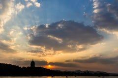 Torre di Leifeng di tramonto Fotografie Stock Libere da Diritti
