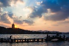 Torre di Leifeng, tramonto Fotografie Stock Libere da Diritti
