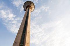 Torre di Milad nella capitale di Teheran dell'Iran la sesta torre più alta e la ventiquattresima struttura indipendente più alta  Fotografie Stock