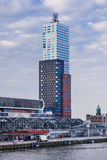 Torre di Montevideo vicino a porto di Rotterdam Con 152 32 metri la torre residenziale più alta nei Paesi Bassi Fotografie Stock Libere da Diritti