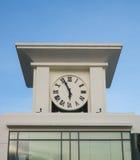 Torre di orologio in cielo blu Fotografie Stock