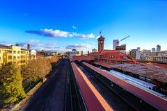 Torre di orologio complessa della costruzione del trasporto del treno della stazione del sindacato fotografie stock libere da diritti