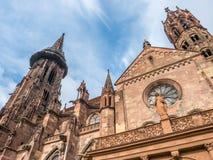 Torre di orologio della cattedrale della cattedrale di Friburgo Fotografia Stock