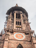 Torre di orologio della cattedrale della cattedrale di Friburgo Fotografia Stock Libera da Diritti