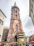 Torre di orologio della cattedrale della cattedrale di Friburgo Fotografie Stock Libere da Diritti