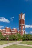Torre di orologio della città universitaria e biblioteca del memoriale di Bizzel Fotografie Stock Libere da Diritti