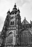 Torre di orologio della st Vitus Cathedral a Praga Immagini Stock Libere da Diritti