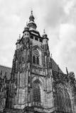 Torre di orologio della st Vitus Cathedral a Praga Fotografia Stock Libera da Diritti