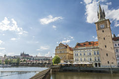 Torre di orologio e Bedrich Smetana Museum, Praga, repubblica Ceca Fotografia Stock