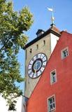 Torre di orologio a Regensburg, Germania Fotografia Stock