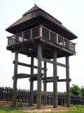 Torre di osservazione tradizionale nel parco storico di Yoshinogari Fotografie Stock Libere da Diritti
