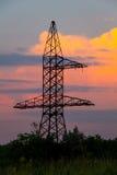 Torre di potere ad alta tensione Immagini Stock