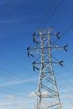 Torre di potere e linea di trasmissione ad alta tensione Immagine Stock Libera da Diritti
