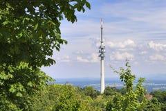 Torre di radiodiffusione del paesaggio Immagine Stock