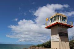 Torre di salvataggio dalla spiaggia in Bribie Queensland fotografia stock libera da diritti