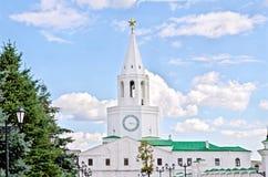 Torre di Spassky del Cremlino di Kazan con un orologio Immagini Stock Libere da Diritti