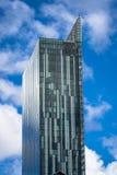 Torre di vetro moderna Fotografie Stock Libere da Diritti