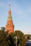 Torre di Vodovzvodnaya del Cremlino di Mosca Immagine Stock