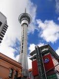 Torre do céu da cidade de Auckland, Nova Zelândia foto de stock