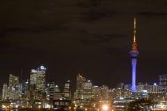Torre do céu de Auckland na noite Fotografia de Stock