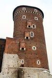 Torre do castelo real de Wawel Imagens de Stock Royalty Free