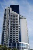 Torre do condomínio de Sunnyside fotografia de stock royalty free