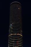 Torre do escritório na noite imagem de stock royalty free